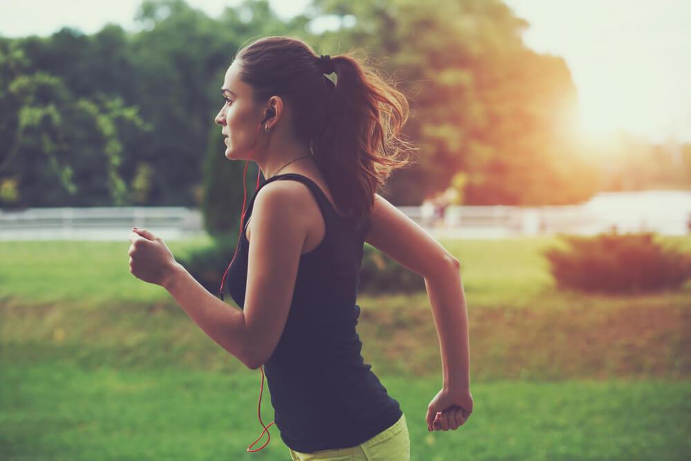 お腹の脂肪を解消するおすすめの有酸素運動.jpg
